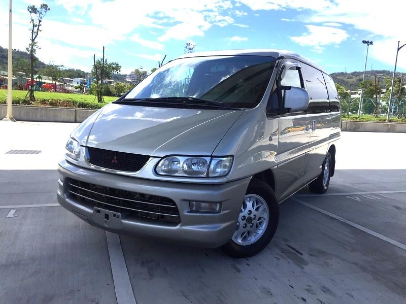 2001 Mitsubishi Space gear