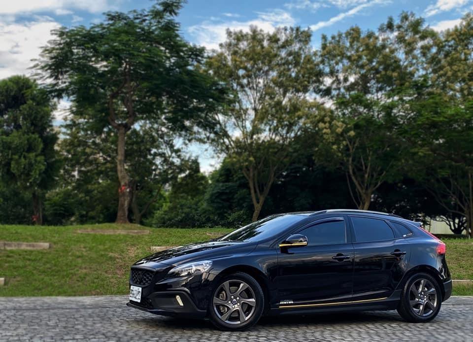 Volvo 富豪 2015 V40