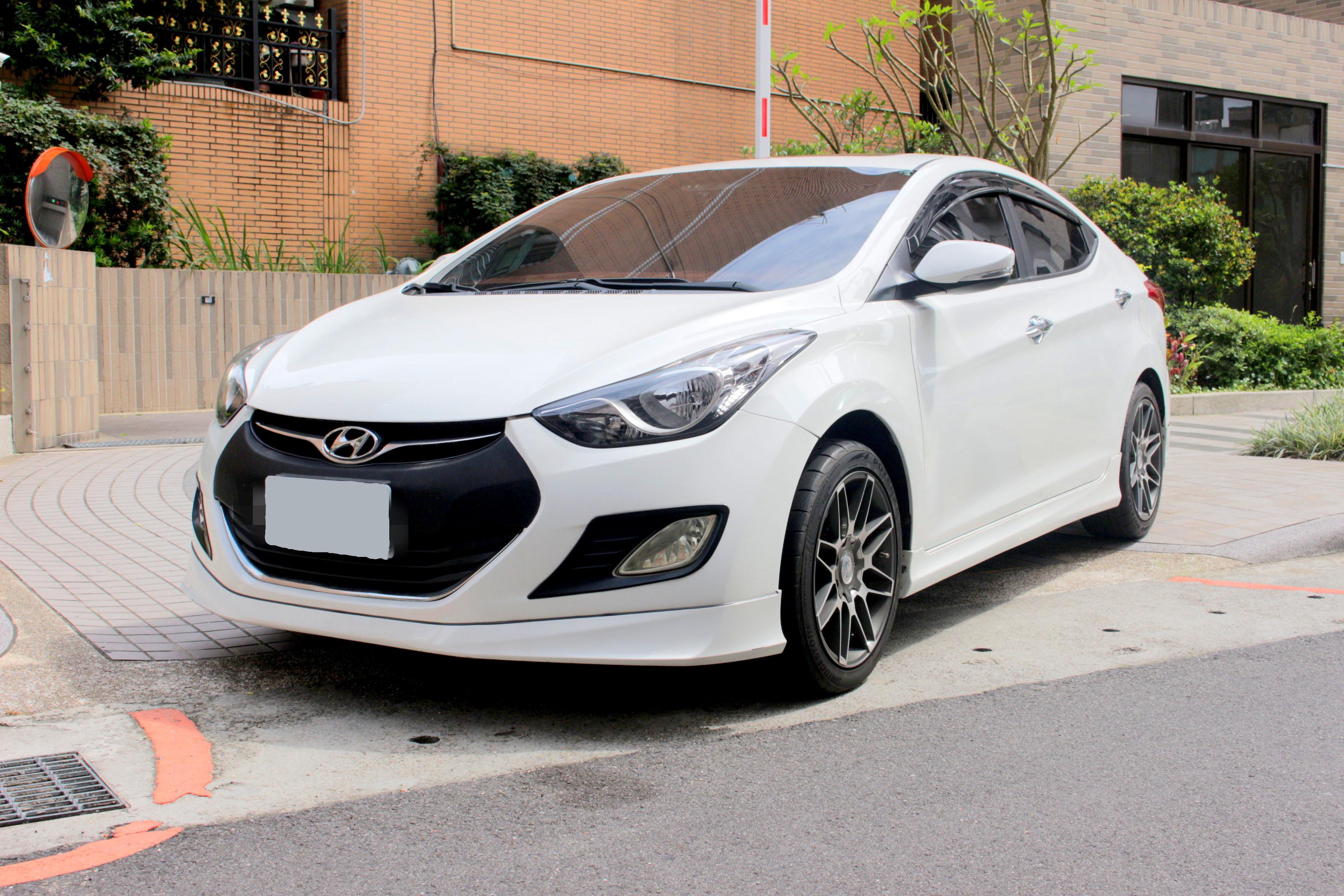 2013 Hyundai 現代 Elantra