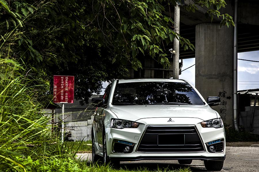 2012 Mitsubishi Lancer io