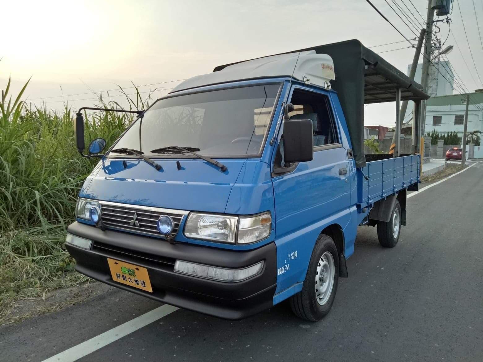 2012 Mitsubishi 三菱 商用車
