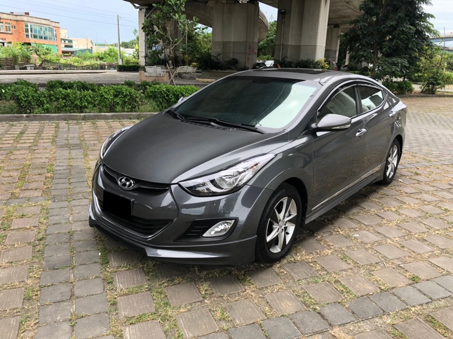 2012 Hyundai 現代 Elantra