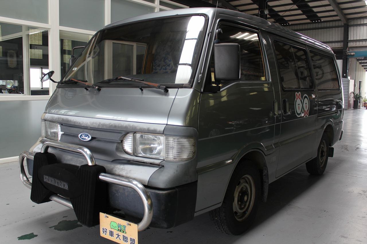 2001 Ford Econovan